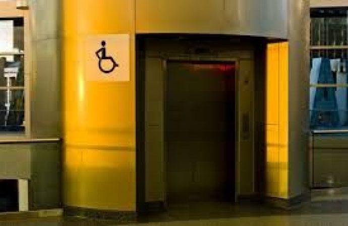 Stop ai lavori se l'ascensore è troppo pericoloso per i condomini