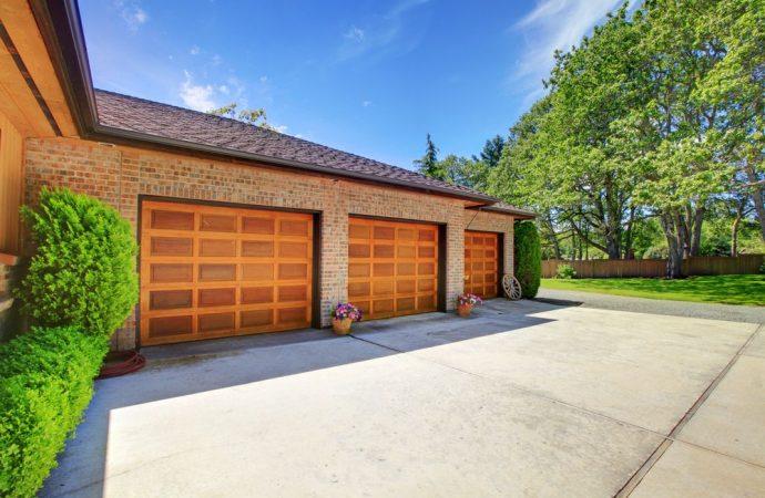 Sostituzione basculante garage e alterazione decoro