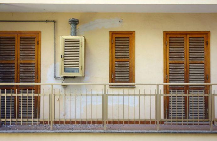 Pavimento balcone in condominio, manutenzione, spese e danni
