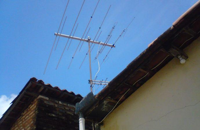 Caduta antenna in condominio, danni e responsabilità