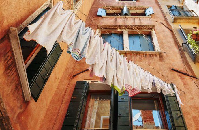 Cosa si intende per atti conservativi di un edificio in condominio?