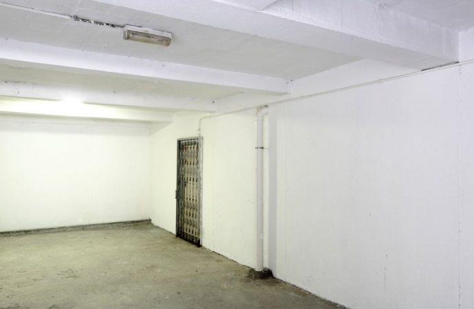 Danni ai garage per le infiltrazioni provenienti dal cortile: il danneggiato partecipa alla spesa per le infiltrazioni?