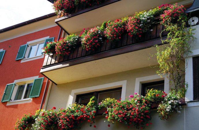 Le spese di manutenzione dei frontalini sono a carico di tutti i condomini se la parte esterna dei balconi contribuisce a decorare la facciata