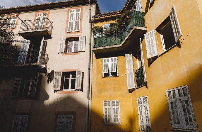 Rete su balconi, recinzioni e autorizzazione condominiale