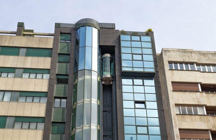 Vietato l'ascensore esterno al fabbricato che occlude la vista al singolo condomino