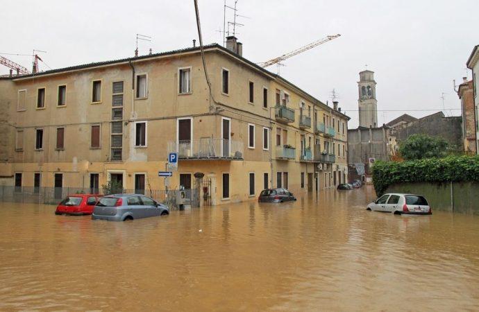 Bombe d'acqua, alluvioni e danni in condominio