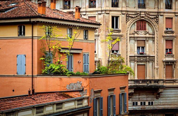 Diritto di sopraelevazione, decoro architettonico e statica dell'edificio