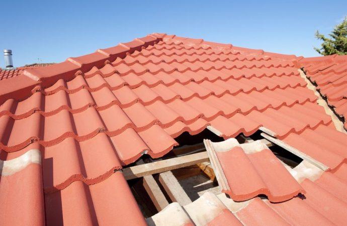 Condominio minimo e manutenzione del tetto: se non c'è unanimità, decide il giudice