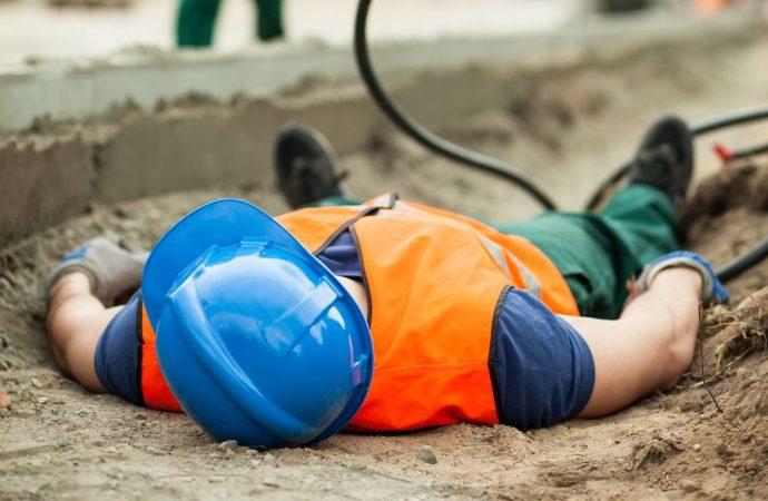 Il conduttore è responsabile per il decesso degli operai a causa di opere abusive