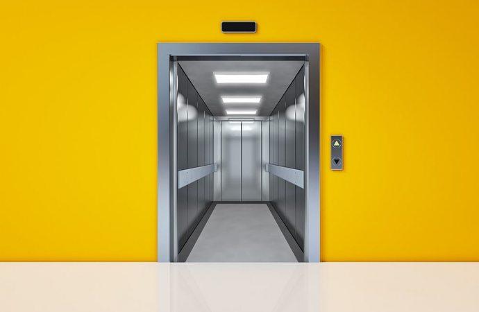 Infortunio in ascensore: chi è responsabile? Attenzione a chiamare sempre in causa il condominio in qualità di custode del fabbricato