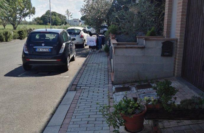 Intervento del Comune su un marciapiede condominiale: quando scatta lo spoglio o turbativa del possesso?