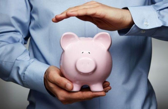 Per assicurare la copertura di spese correnti del condominio è lecito utilizzare il denaro accantonato per il pagamento del TFR
