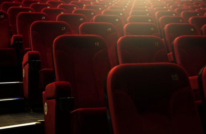 Assemblee Si, Assemblee NO, Assemblee al Cinema o al Teatro?