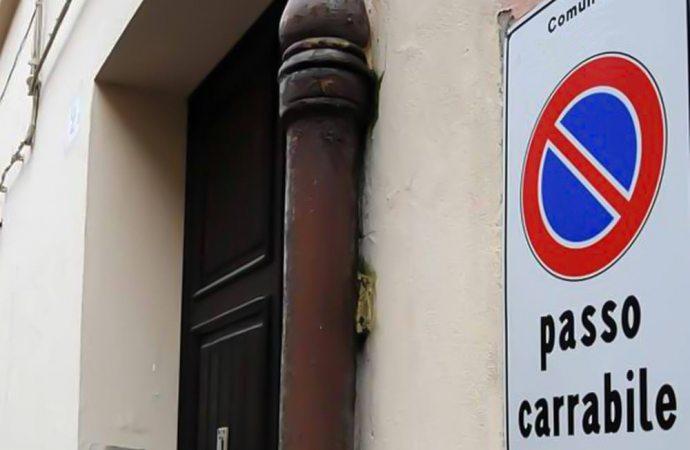 Non aprite quella porta! Quando un passo carrabile è di troppo.