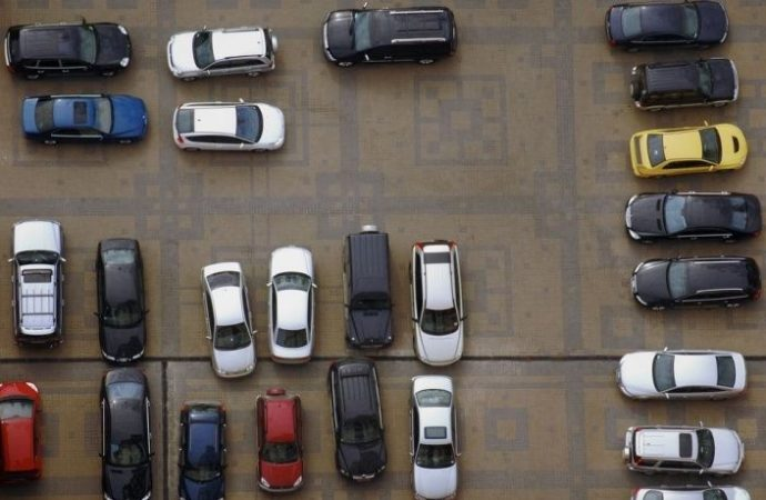 Usufruttuario e nudo proprietario: a chi spetta parcheggiare l'auto nel cortile condominiale?
