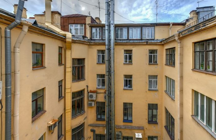 Valenza della clausola compromissoria tra condominio e terzi