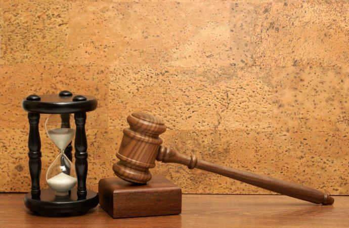 Decadenza dall'impugnazione, nullità ed annullabilità delle delibere assembleari ed onere della prova dell'esistenza del credito del condominio