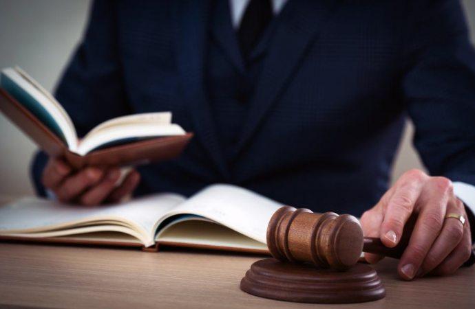 Impugnazione delibera, l'amministratore può resistere senza mandato assembleare
