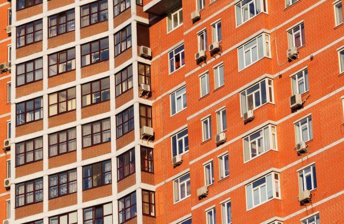 Si può installare un condizionatore sulla facciata dell'edificio?