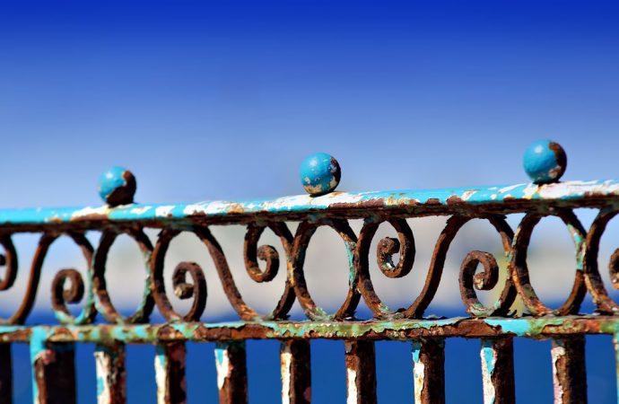 Colore ringhiere balconi in condominio