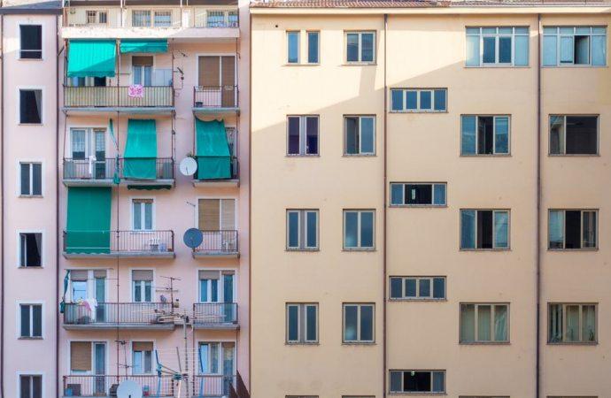 Locazione ex alloggio portiere da parte dell'amministratore: è possibile senza consenso dei proprietari?