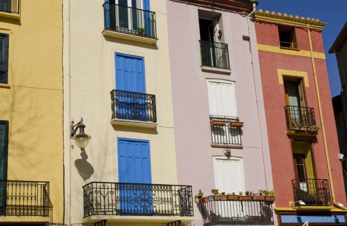 Apertura di varchi sui muri, per la servitù conta il condominio non l'edificio