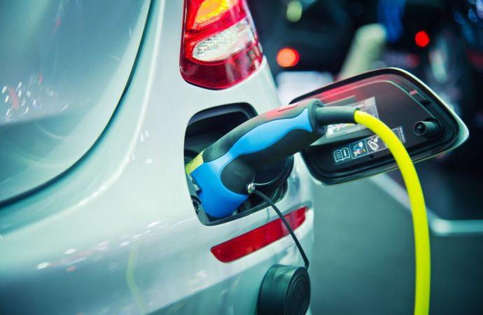 Detrazione per ricariche per veicoli elettrici: l'AdE su potenza addizionale, disponibile effettiva e fatturata