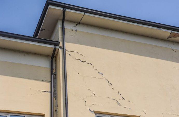 Superbonus del 110% e interventi di riduzione del rischio sismico, ok se la stalla diventa abitazione