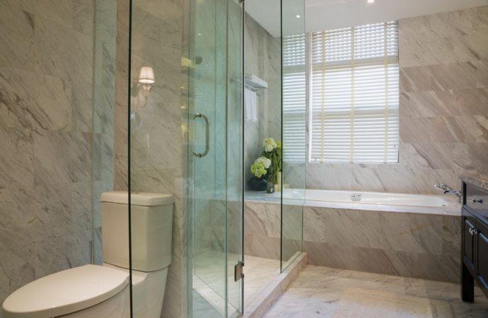 Locazione: rottura cristallo del box doccia chi paga?