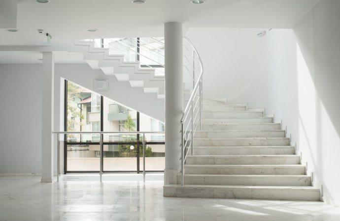 Vietare un particolare uso della scala condominiale non vuol dire impedirne l'uso