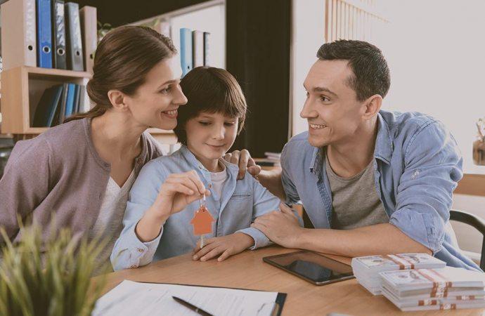Donazione casa ai figli, come funziona e quanto costa?