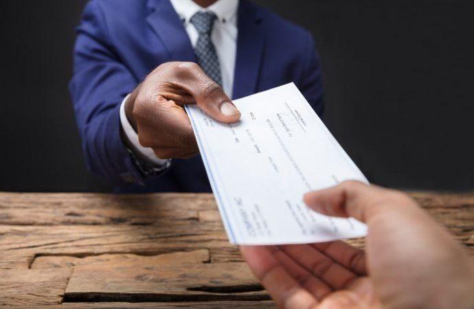 Invalida la delibera che approva un compenso non indicato al momento della nomina