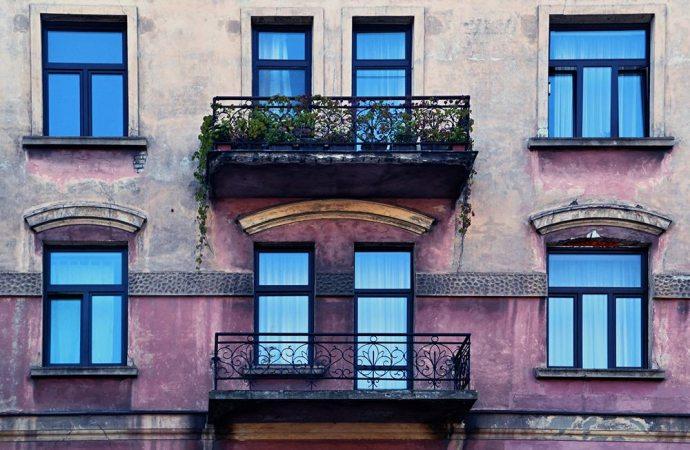 Balconi, quando la parte frontale è parte della facciata?