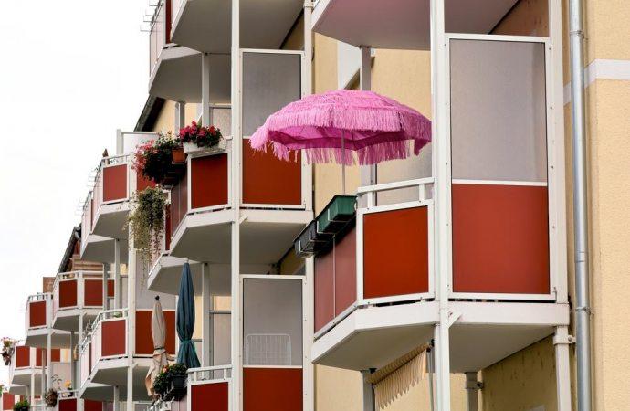 Ombrellone sul balcone: quando si può tenere