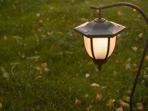 Come devono essere ripartiti i costi della bolletta della luce