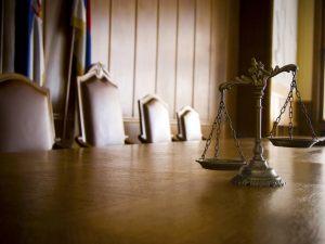 Quando si riceve un decreto ingiuntivo chi paga le spese condominiali?
