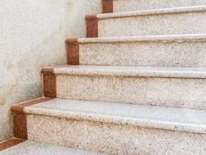 Spese di manutenzione delle scale, si deve pagare anche se non si usano mai le scale.