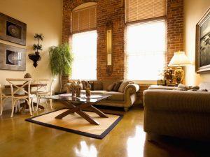 Locazione di un appartamento e danni al mobilio: chi deve pagare che cosa?