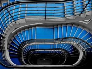 Le scale sono parti comuni a tutti i condomini, se il contrario non risulta dal titolo.