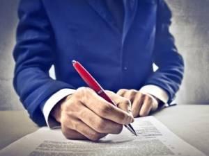 Come sapere se l'amministratore � legittimato a firmare un contratto con un terzo
