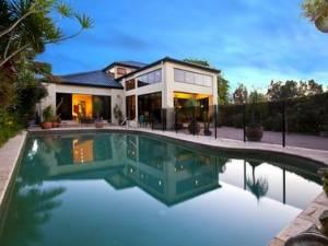 Le abitazioni di lusso e l'inapplicabilit� delle disposizioni agevolative connesse all'acquisto della prima casa.