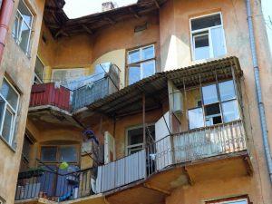 Armadio Anticorodal : Armadio sul balcone